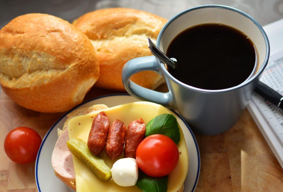 Frukostmöte 12 April